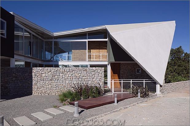 Outdoor-Wohnhaus-unter-geometrischen-Baldachin-3-front-walk.jpg