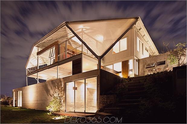 outdoor-living-house-under-geometric-baldachin-5-rear-under-night.jpg