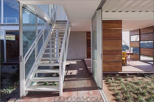 im freien-wohnhaus-unter-geometrischen-baldachin-11-treppen.jpg