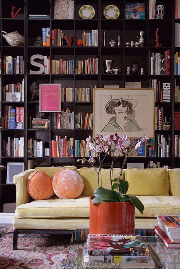 Weibliche und moderne Heimbibliothek