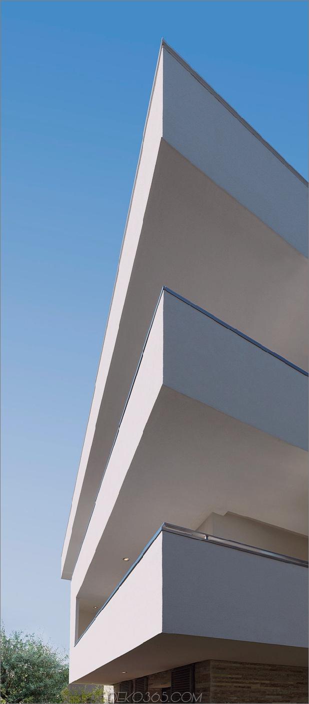 italienisch-labyrinth-haus-mit-geometrische-außen-gleitende-innen-wände-4.jpg