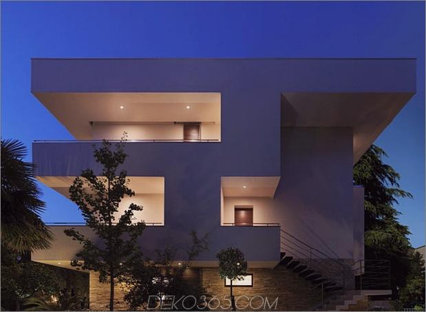 Italienisches Labyrinth-Haus-mit-geometrischen-Außen-Schiebe-Innen-Wände-5.jpg