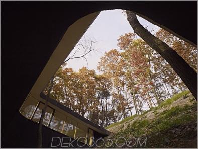 Passagehaus 5 Japanese Home Design - ein Glashaus hängt wie ein Vogelnest an einem steilen Hang, nichts für schwache Nerven!