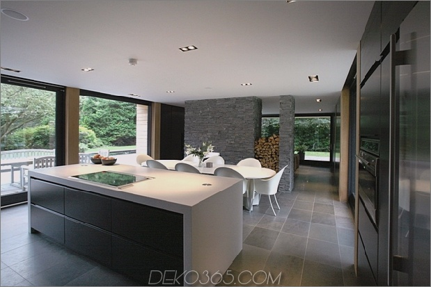Kamin als Raumteiler nicolas tye architects 1 thumb 630xauto 60214 Kamine als Raumteiler: 15 Doppelseitige Designideen