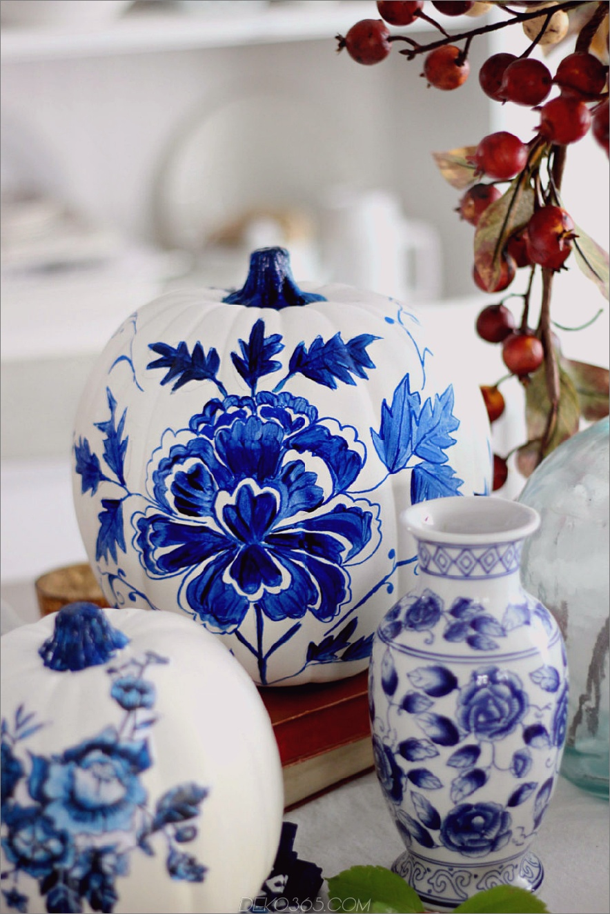 Blauer Porzellan-Kürbis