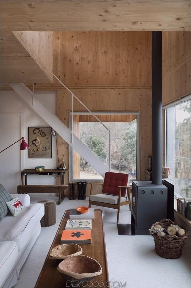 Kleine-Waldhütte-entworfen-gebaut-Umweltstandards-6-Innentreppen.jpg
