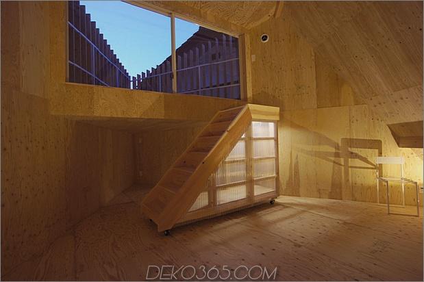 kompaktes diamantförmiges haus-plan-yuji-tanabe-14-second-floor-treppen.jpg