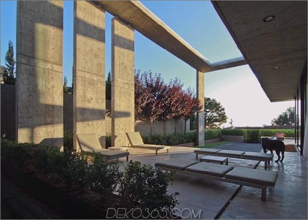Beton-Wohn-Architektur-entworfen-geräumige-7-Outdoor-Lounge.jpg