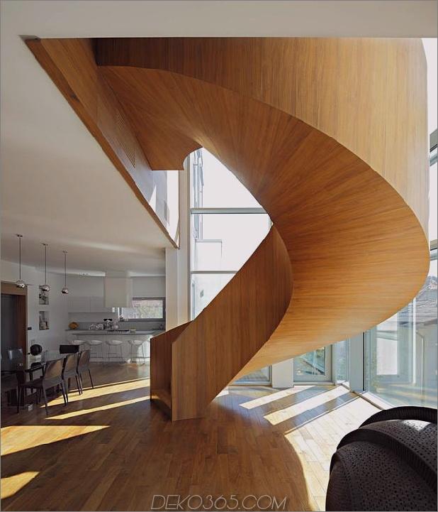 skulpturaler kreisförmiger Treppenhausfokus minimalistischer Wohnsitz 1 Treppenhaus thumb 630x734 29470 Betonrundtreppenhaus Fokus des minimalistischen Wohnsitzes