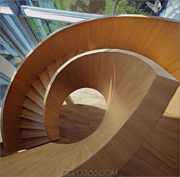 skulptural-kreisförmiges Treppenhaus-Fokus-minimalistischer Wohnsitz-11-Stufen-darüber.jpg