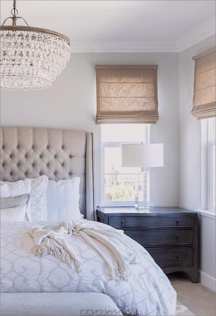 Erwägen Sie, den gesamten Raum mit einer Mischung aus Cremes zu haben, damit sich der Raum schick und stylisch anfühlt.