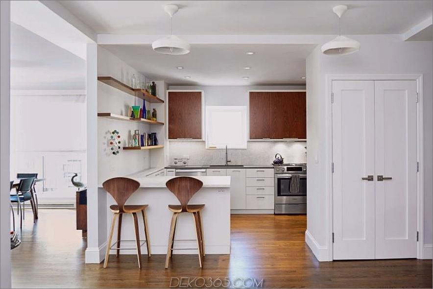 Kleine modernistische Küchenhalbinsel von Lauren Rubin Architecture