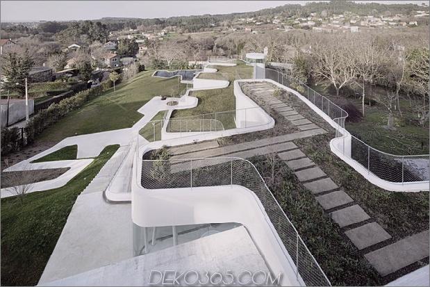 kurvenreich-glänzend-weiß-home-addition-in-spanien-14.jpg