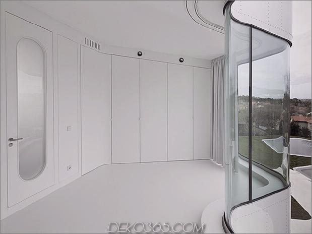 kurvenreich-glänzend-weiß-home-addition-in-spanien-17.jpg