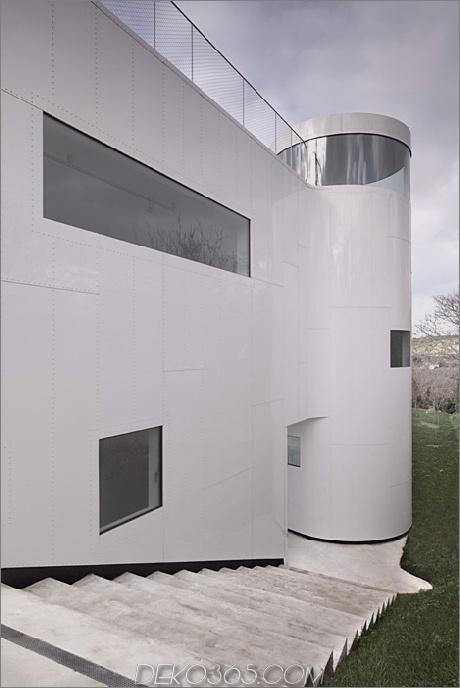 kurvenreich-glänzend-weiß-home-addition-in-spanien-10.jpg