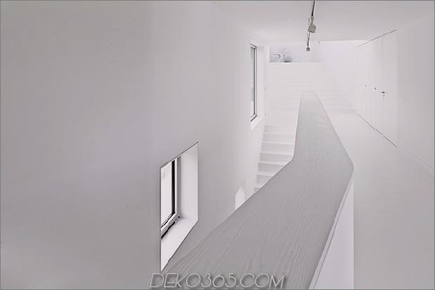 kurvenreich-glänzend-weiß-home-addition-in-spanien-12.jpg