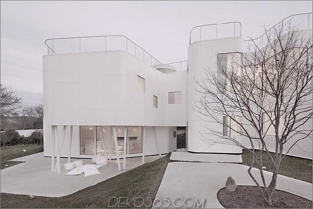 kurvenreich-glänzend-weiß-home-addition-in-spanien-5.jpg