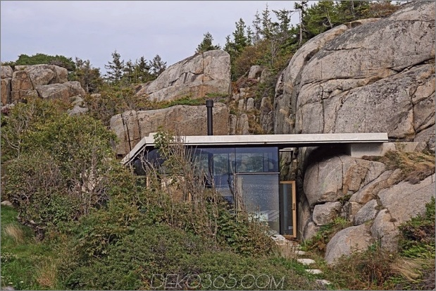 norway-house-in-rock-cabin-knapphullet-lund-hagem-3a.jpg