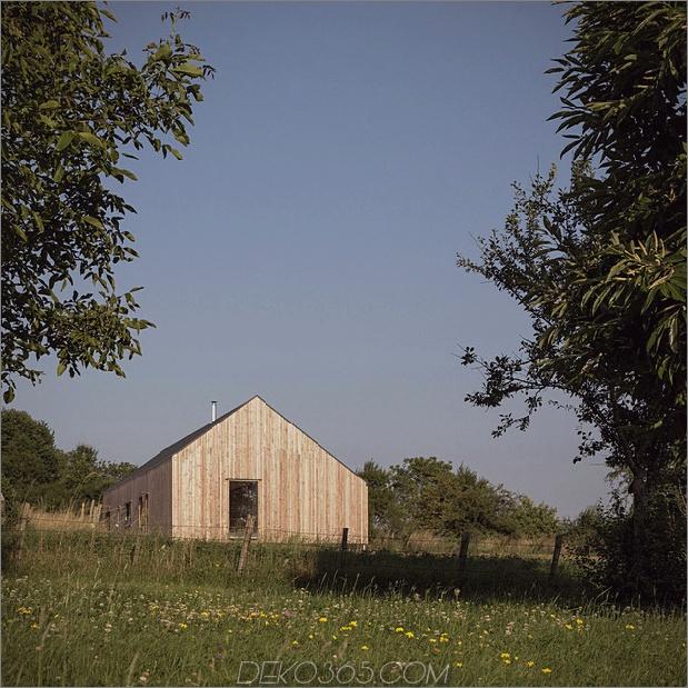 Land-Haus-klare-Linien-Merkmale-Flur-Bücherregale-14-Seite.jpg