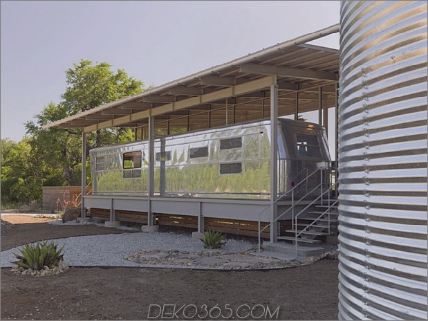 letzter Halt repurposed Lokomotiven-Ranch-Anhängerhaus in Texas 2 thumb 630x472 13742 Letzter Stopp: Repurposed Locomotive Ranch-Anhängerhaus in Texas!