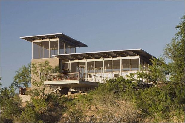 last-stop-repurposed-lokomotive-ranch-anhängerhaus in texas-6.jpg