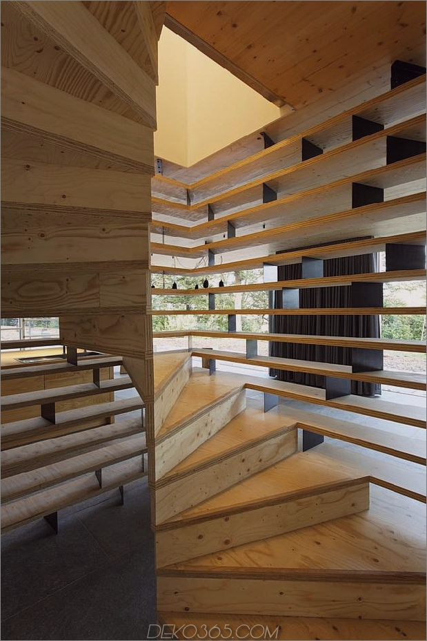 Glas-Wohn-Rand-Holz-Clads-Haus-Kontraste-23-Treppen.jpg