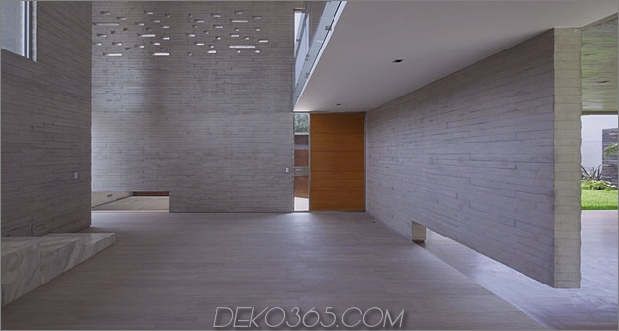 luftig-peruanisch-doppel-brücke-struktur-haus-11-inside-entry.jpg