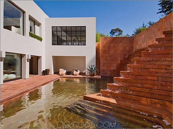Campbell Divertimento Haus 1 Luis Barragan Brunnen im Contemporary House in Los Angeles Campbell Divertimento