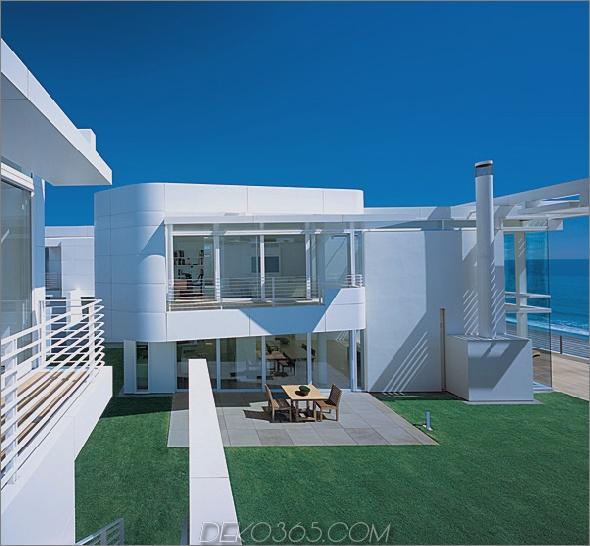 richard meier beach house 2 Luxus-Strandhäuser - Design am Meer mit weißen Außen- und Inneneinrichtungen