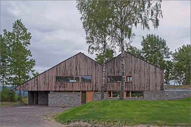 Fjordhaus mit mförmigem Dach und rustikalem Stil 1 thumb 630xauto 32522 M Formgebautes Fjordhaus in verwittertem Holz