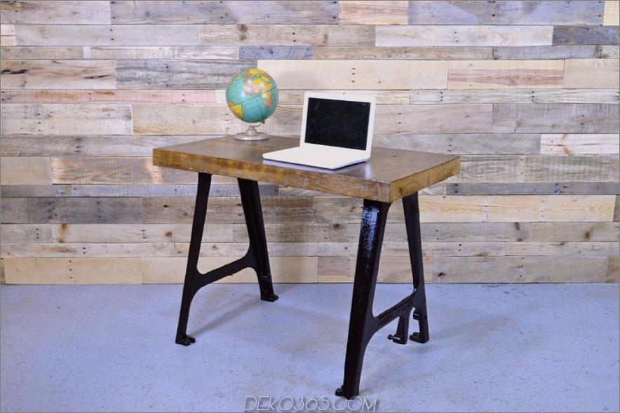 Minimalistischer Schreibtisch aus wiederverwendetem Holz mit Gusseisenmaschinenbeinen