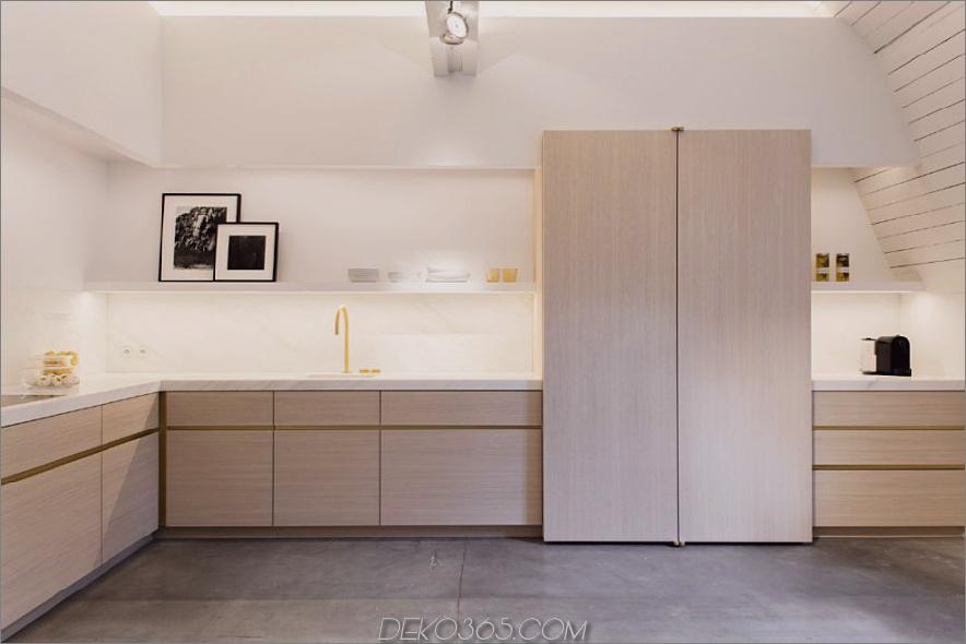 Obumex-Küche mit Umgebungsbeleuchtung