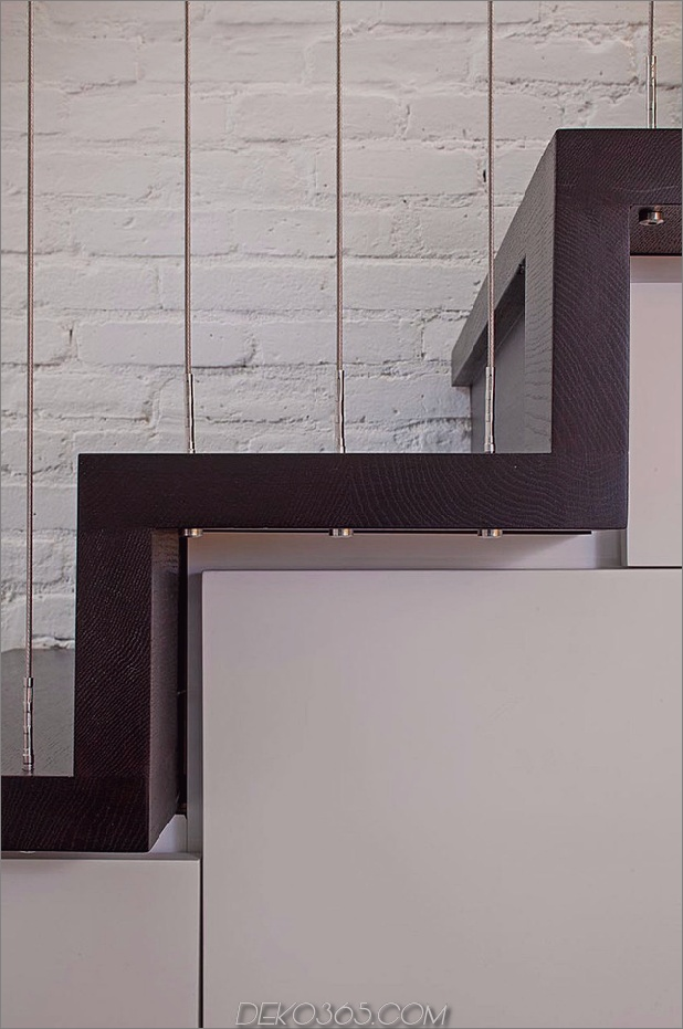 Manhattan-Micro-Loft-mit-Multi-Level-Interiors-7.jpg