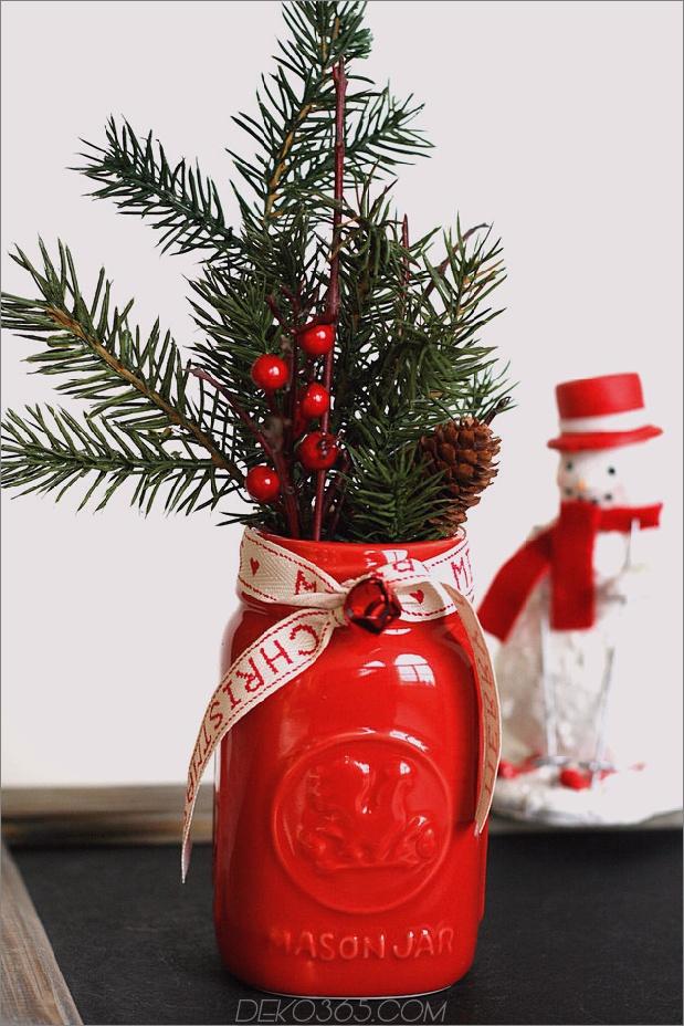 duftender-vintage-christmas-mason-jar-pinecone-branch.jpg