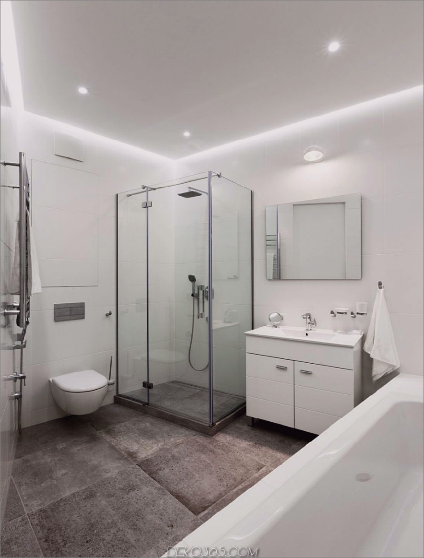 Weißes Badezimmer wirkt ohne Fliesen minimal