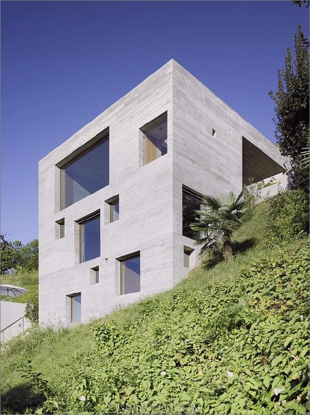 minamalist concretehome präsentiert atemberaubende ausblicke und zeitgenössisches leben 1 exterior thumb 630x841 15319 Minimalist Concrete Home Vitrinen Atemberaubende Ausblicke und zeitgenössisches Wohnen