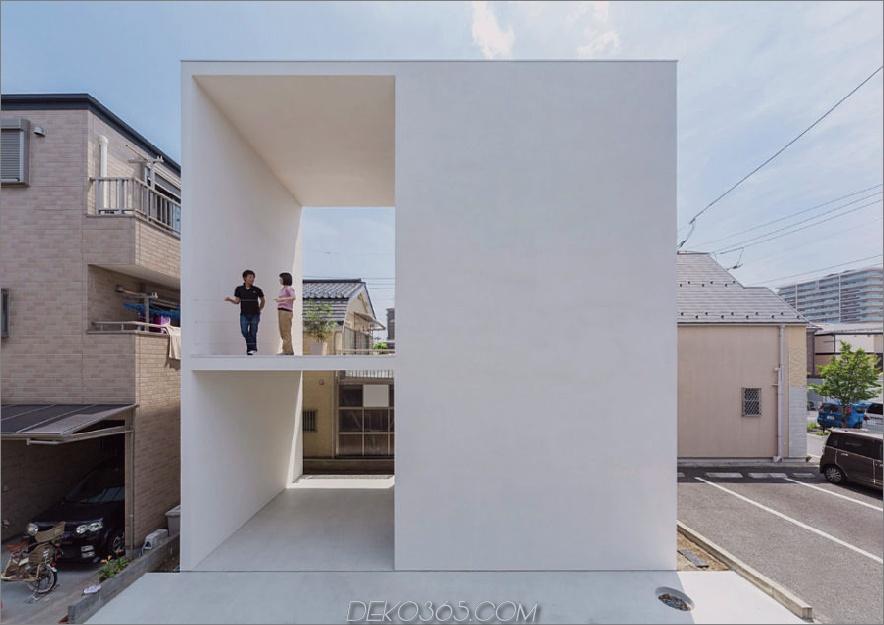 Kleines Haus mit großer Terrasse von Takuro Yamamoto
