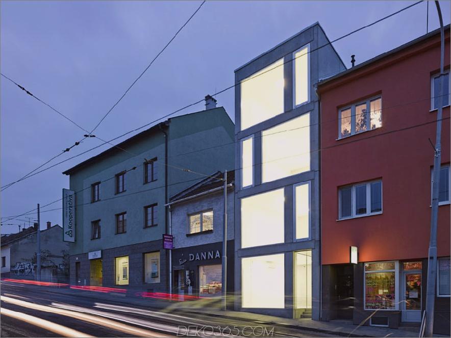 Haus mit gemischter Nutzung von Makovský & Partnern