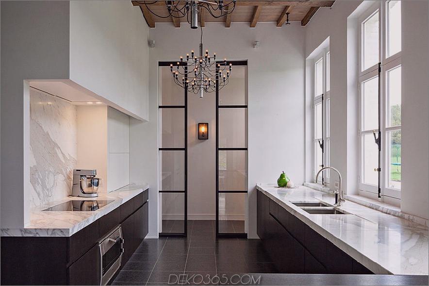 Metallrahmentüren in einer Küche von Obumex