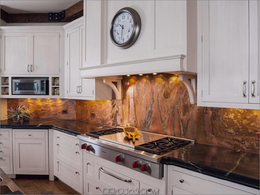 Kupfer Marmor Backsplash von Orren Pickell Building Group