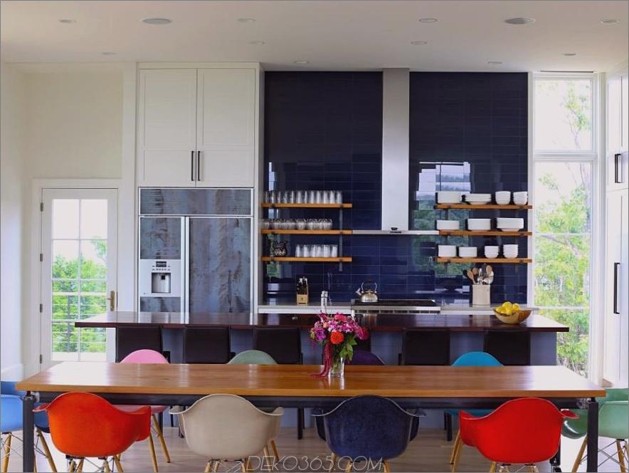 Blaues Glasfliesensplash von Helios Design Group