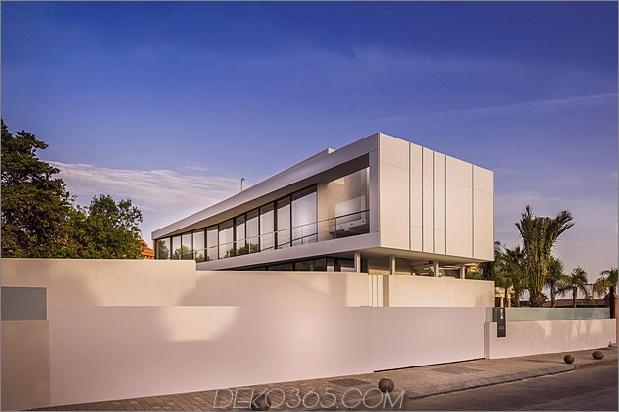 4-modern-mediterran-home.jpg