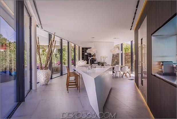 8-modern-mediterran-home.jpg