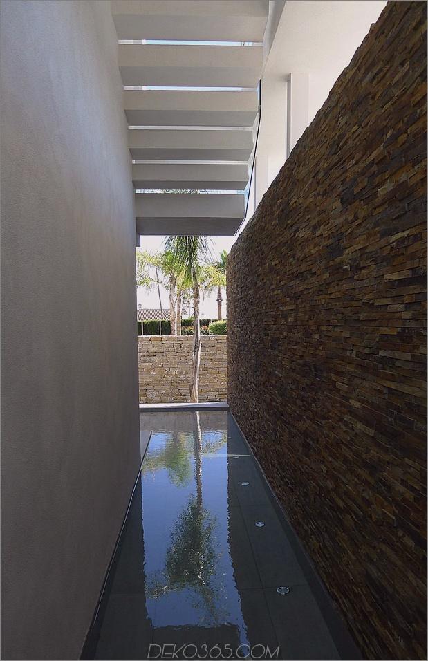 9-modern-mediterran-home.jpg