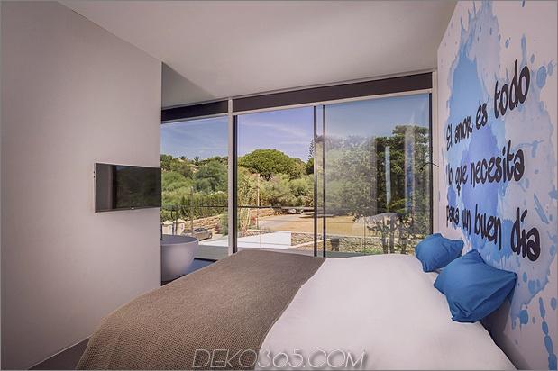 14-modern-mediterran-home.jpg
