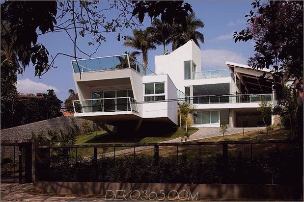 modernes Resort im Stil der Geometrie und des Glases 1 thumb 630x419 27174 Modernes Resort im Stil der Geometrie und des Glases