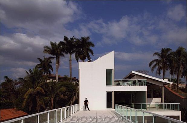 modernes Resort im Stil der Geometrie und des Glases 2 thumb 630x416 27176 Modernes Resort im Stil der Geometrie und des Glases