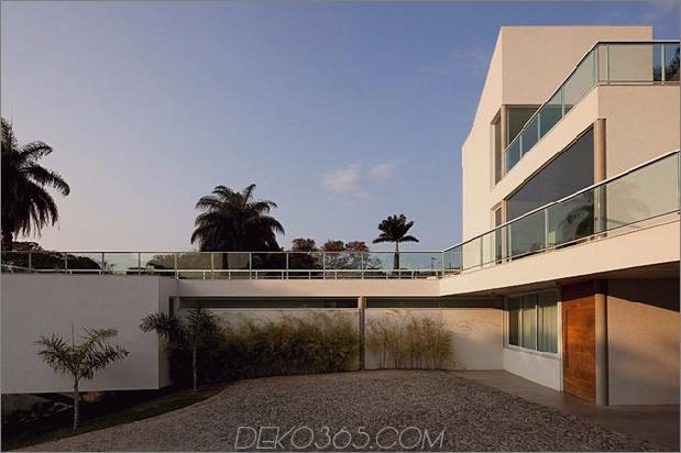 modern-resort-style-home-of-geometrie-und-glas-3.jpg