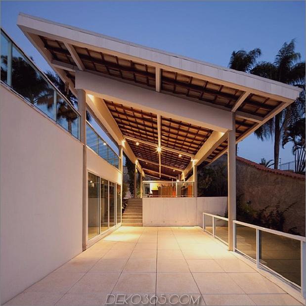 modern-resort-style-home-of-geometrie-und-glas-11.jpg