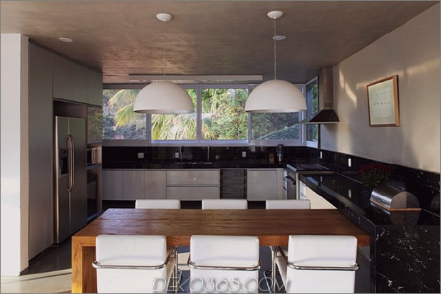 modern-resort-style-home-of-geometrie-und-glas-13.jpg